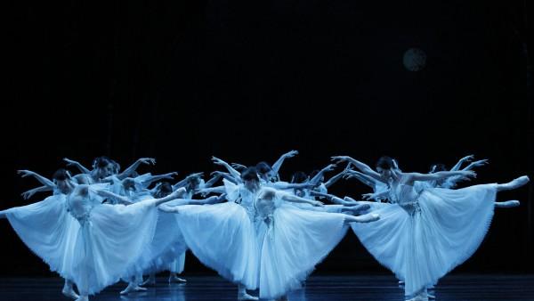 2015GISELLE_Artists of The Australian Ballet. PhotoJeffBusby