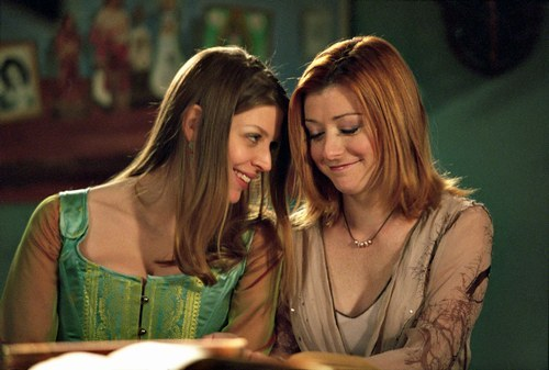 Tara-Willow-buffy-the-vampire-slayer-772206_500_337